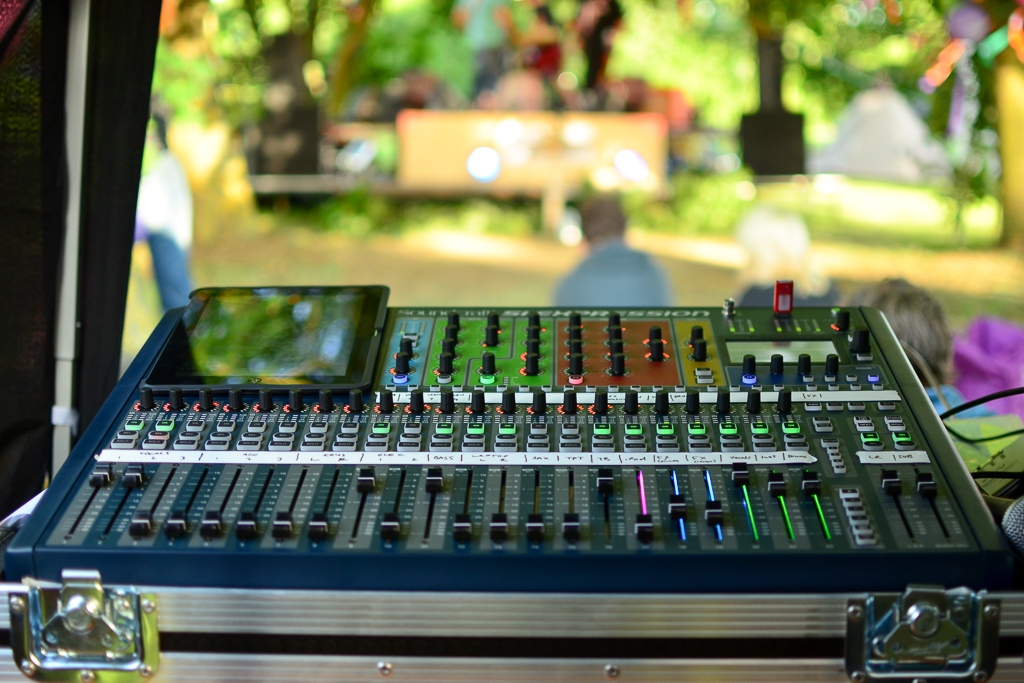 Soundcraft SI Expression in flight case